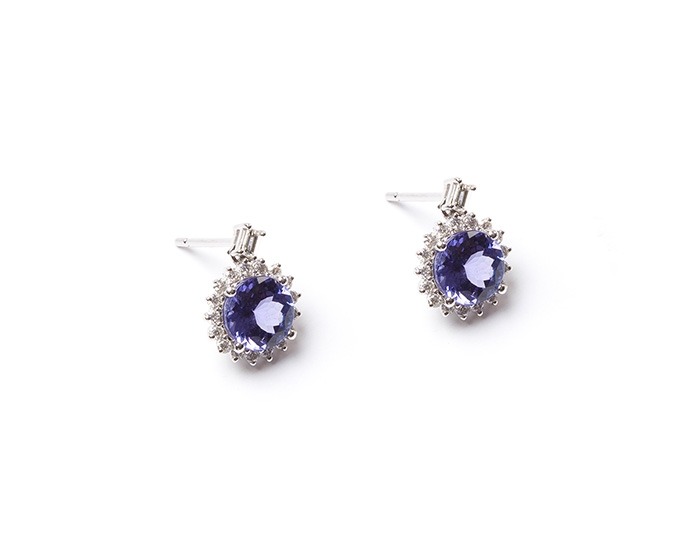 AAA Tanzanite and diamond stud earrings