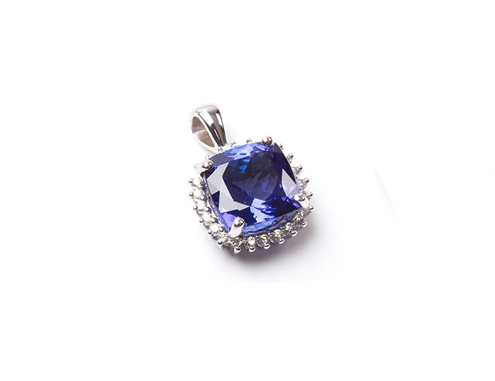 AAA Tanzanite and diamond pendant